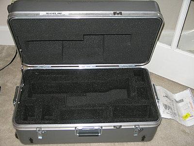 Photo of inside of JVC Hard Case CB-100...?-cb100-b.jpg