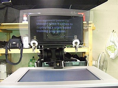 Teleprompt/Autocue - remote control question-teleprompter1.jpg