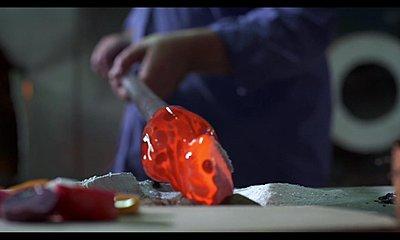 CMOS knife edge DOF   to much  ??-glass-hd.jpg