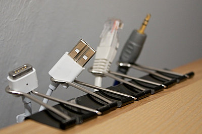 Cable management with basic office supplies-eip8u.jpg