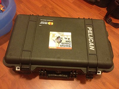 Hard case for 10-12 lenses and dividers?-img_2290.jpg
