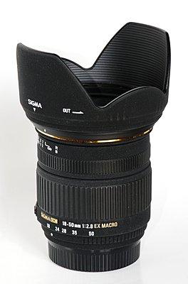 Fastest Manual Lens w/ Widest Zoom Range-sigma_18-50mm_f2.8_ex_dc_macro_lens_hood.jpg