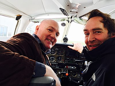 Shooting from a small plane -first time-andre-en-ik-piper.jpg