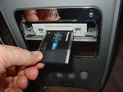 P2 Card Reader in G4 Mac (mirror door)-amtron-g4.jpg