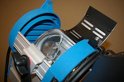 Steven Studio 650 watt fresnel lights.-650insidesmall.jpg