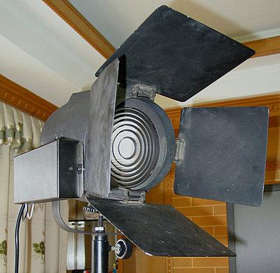 DIY Fresnel, using rechargeable spotlight-mhfresnel.jpg