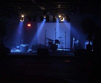 Shooting a performance video under stage lights-av.jpg