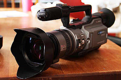Private Classifieds listings from 2009-sonyvx2100-canon.jpg