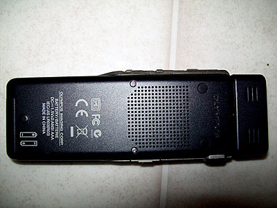 Private Classifieds listings from 2010-olympus_ds30_back.jpg