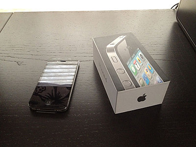 Private Classifieds listings from 2012-iphone4_32gb.jpg