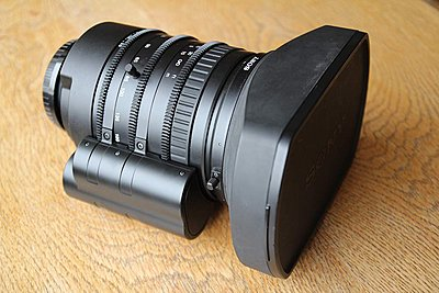 Private Classifieds listings from 2014-scl-lens1.jpg