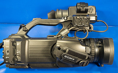 Sony PMW-300 with Canon ENG lens-pmw-300-right-side.jpg