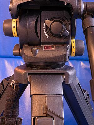 Vinten Vision 100 with Fibertec legs-vinten-vison-100-head.jpg