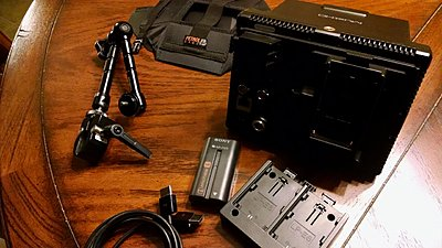 C100 with Zacuto Zfinder, Extra Battery 99!-musthd-extra-battery-plate-use-1280x721-.jpg