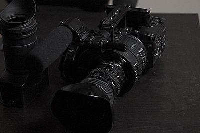 Sony NEX-FS700U with 4K Upgrade-fs700-front-angle.jpg