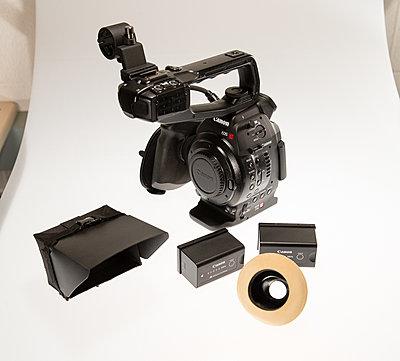Canon C100 with Dual Pixel Autofocus Upgrade and Extras-c100-1.jpg