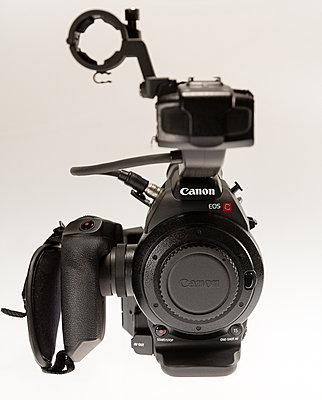 Canon C100 with Dual Pixel Autofocus Upgrade and Extras-c100-3.jpg