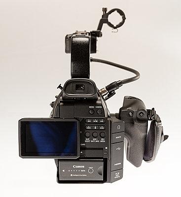 Canon C100 with Dual Pixel Autofocus Upgrade and Extras-c100-5.jpg