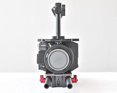 Sony FS100 kit, Berkey plate/handle and Zacuto base and carbon rods 00-rlb_3790.jpg