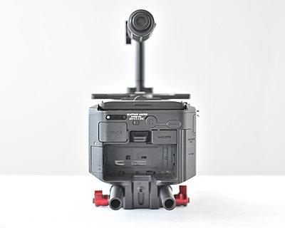 Sony FS100 kit, Berkey plate/handle and Zacuto base and carbon rods 00-rlb_3796.jpg