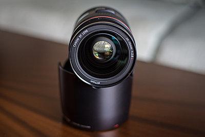 Canon 24-70mm f/2.8L USM Lens-02.jpg