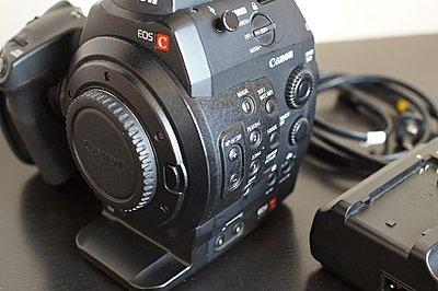 Canon C300 Cinema Camera Kit-canon-c300-side.jpg