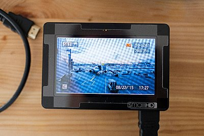 "Small HD DP4 4.3"" On-Camera LCD Display Canon LP-E6 Plate-_57-8-.jpg"