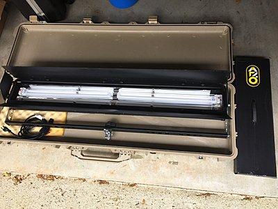 Mole Biax 4-L long fluorescent bank - like new, deep discount-img_3124.jpg