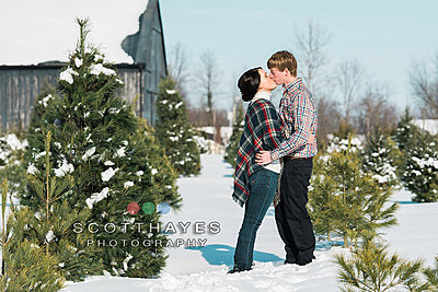 Samyang 135F2 for Canon-slone_snowshoot-engagement_scotthayes-75.jpg