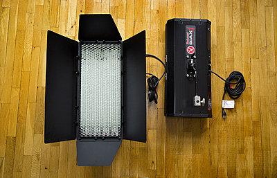 Mole-Richardson Biax-4 Omni Fluorescent Lighting Kit-biax4.jpg
