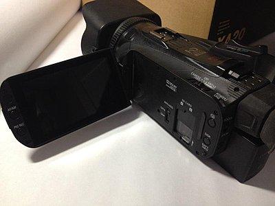 Canon XA20 camcorder-img_0802.jpg