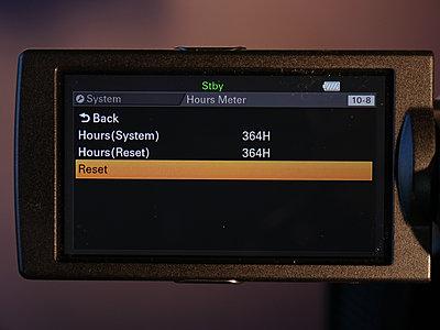 Sony PXW-Z100-hours.jpg