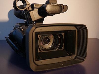 Sony PXW-Z100-lens.jpg