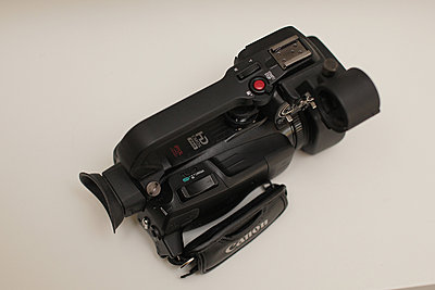 Canon xa20 - excellent, original box, accessories, more-05-xa20a-top.jpg