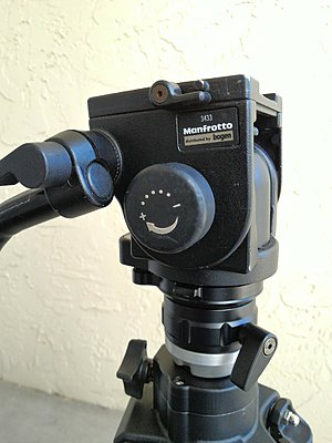 Manfrotto 516 tripod head-p_20160928_110334_1_p.jpg