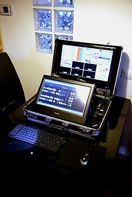Video Mixer/switcher 6x FullHD cam 10bit, incredibly portable,-img_2475.jpg