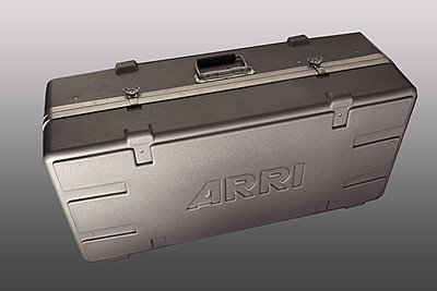 Arri light kit-arrikitsmallcase.jpg