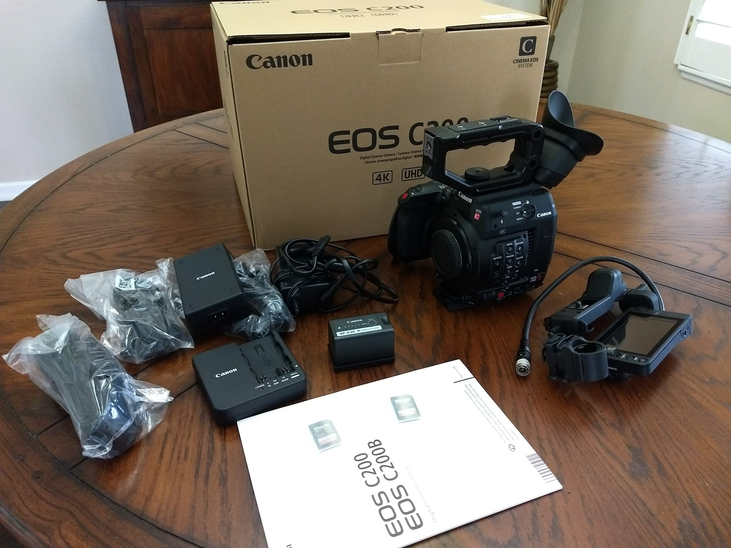 FS-CONUS: Canon C200 MINT as NEW (Open Box)! From Canon