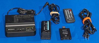 Sony FS7 MK2 kit-charger-battery-4302.jpg
