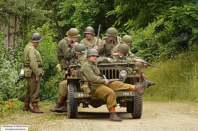 WWII documentary on the FS100-7538364878_cf990e1e78_c.jpg