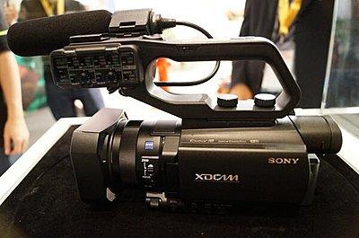 Sony FDR-AX100-bqu6quliqaack5t.jpg