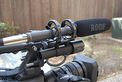 XDCAM shot gun 3 pin to 5 pin XLR-mic-mount.jpg