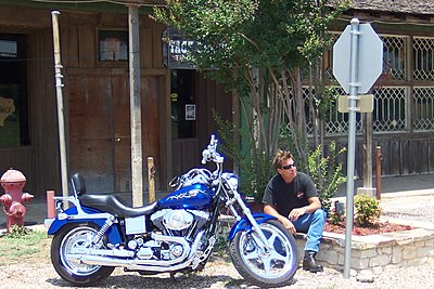 Purple outline on background objects-harley12.jpg