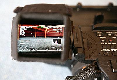 LCD hood for FX1000-loupe2.jpg