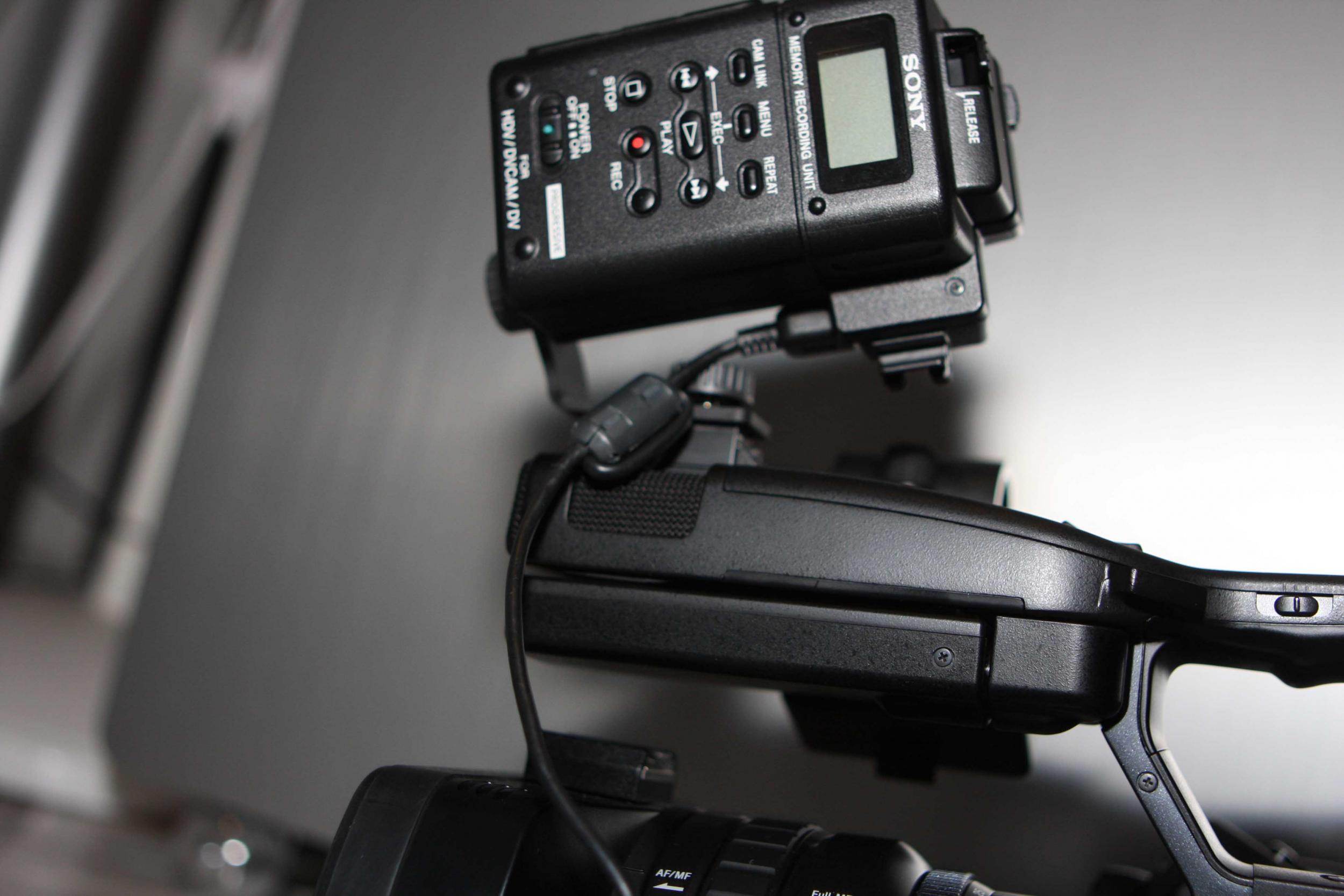 Hdr Fx Pubg: Sony Unveils HDR-FX1000 , HVR-Z5J