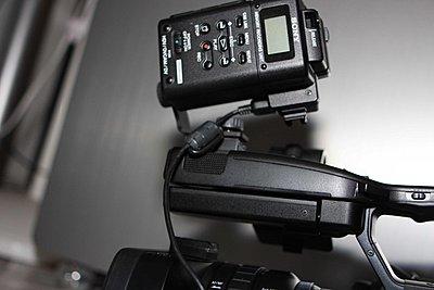Sony Unveils HDR-FX1000 , HVR-Z5J-m3.jpg
