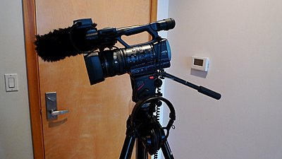 Initial thoughts on the Sony HDR-AX2000 from a newby-ax2000_rig_3.jpg