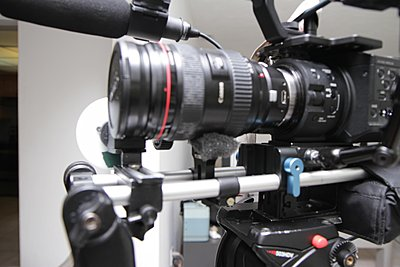 What kind of load can the lens mount handle?-img_4078.jpg