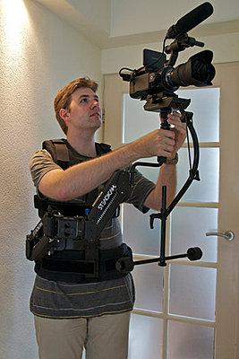 The FS100 on the Blackbird Stabilizer - video-blackbird_z-post_steadicamarmvest_picture1-klein.jpg