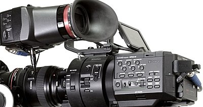 Great compact battery solution for the FS700 with power for the Alphatron.-_mg_8886.jpg